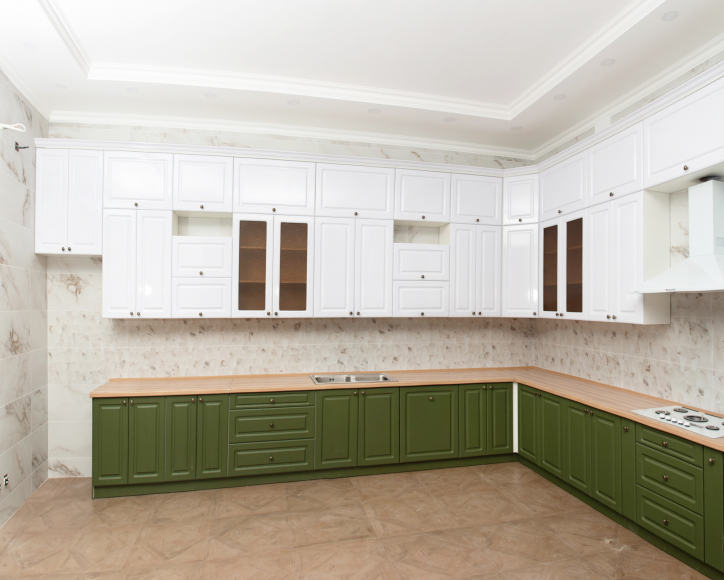 Кухонный гарнитур МДФ Квадро классика дуб болотный/белый  суперматовый